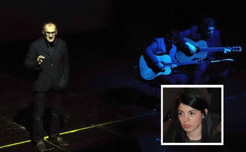 """Francesco Abate durante lo spettacolo """"E' colpa tua""""nel riquadro Annalisa Lai foto Locci e Belillo"""