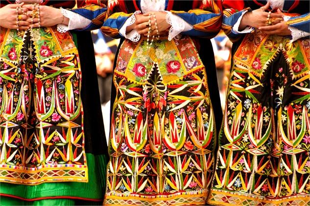 tipico-costume-sardo---marianna-chillau20110501-1131-561292_0x420