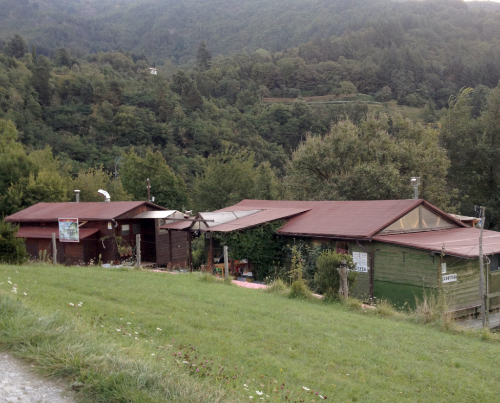 scorcio eco-villaggio Centro Anidra