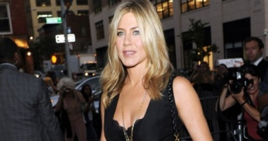 Jennifer-Aniston-RivistaDonna.com