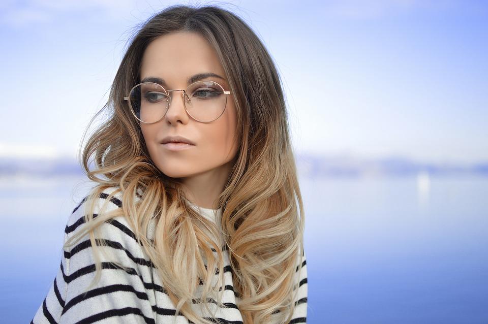foto ufficiali la migliore vendita le migliori marche Uomini: preferiscono le donne con gli occhiali - Rivista Donna