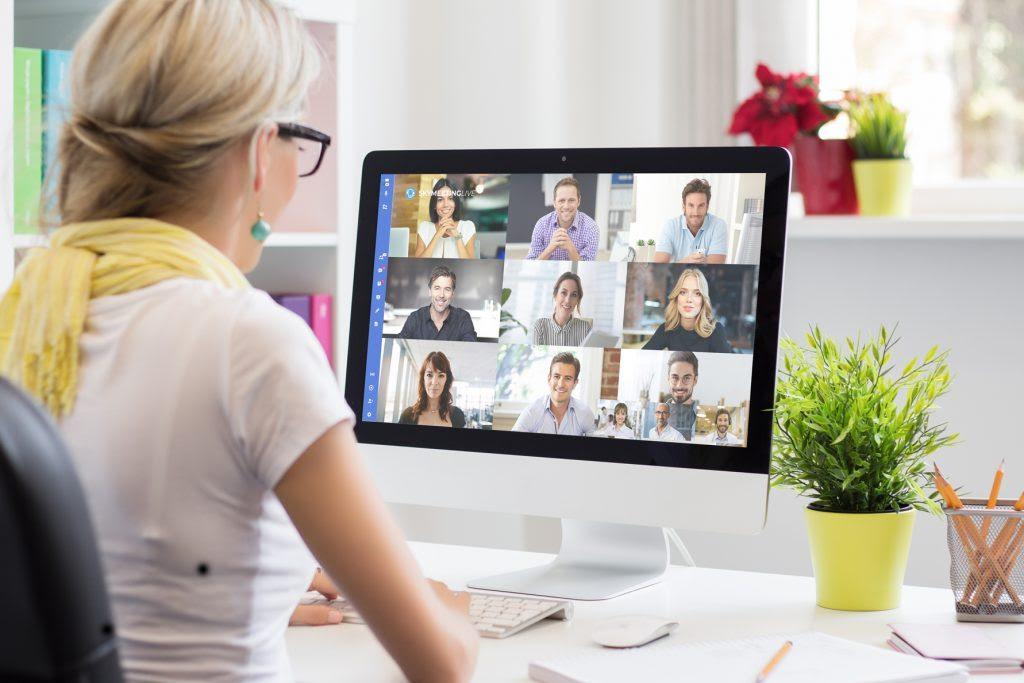 Videoconferenza-SkyMeeting-RivistaDonna.com