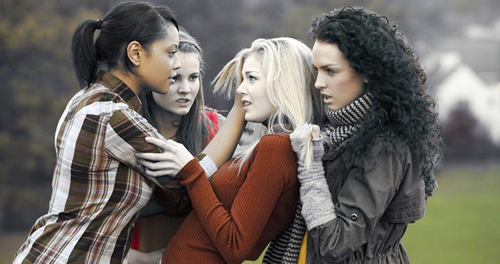 bullismo: in classe mi danno della lesbica.